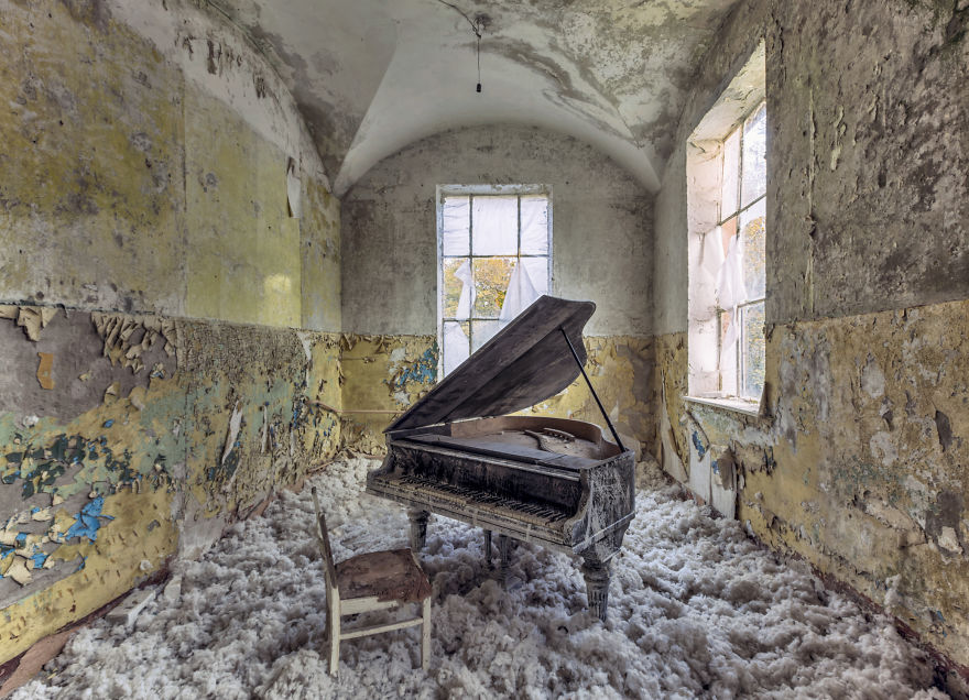 old abandoned piano